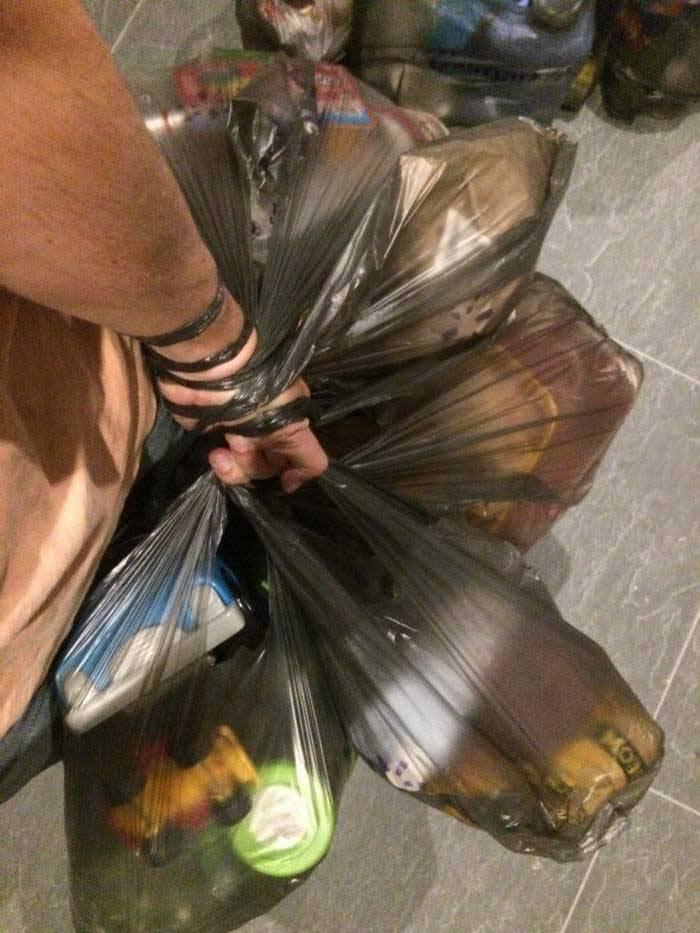 Acea zi în care arunci gunoiul